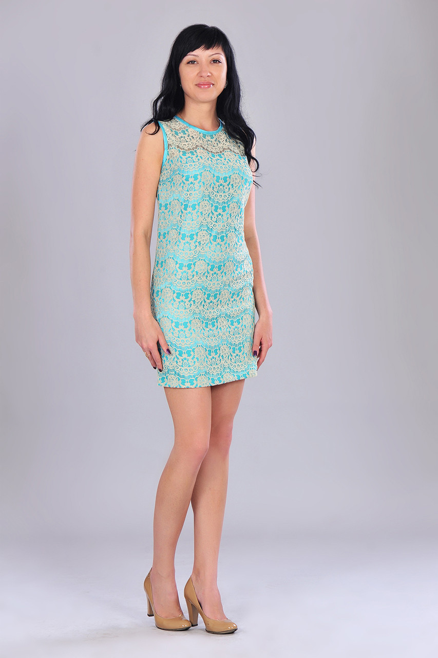 Стильное молодежное гипюровое изящное короткое платье с красивым бантиком и молнией подвеской на спинке