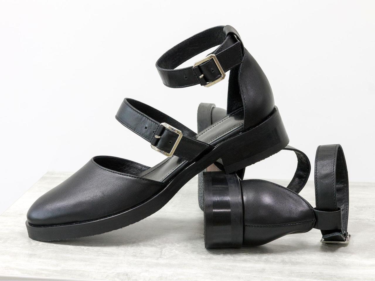 Стильные кожаные Туфли с ремешками, полностью черного цвета, на удобном, невысоком каблуке, Д-23-24