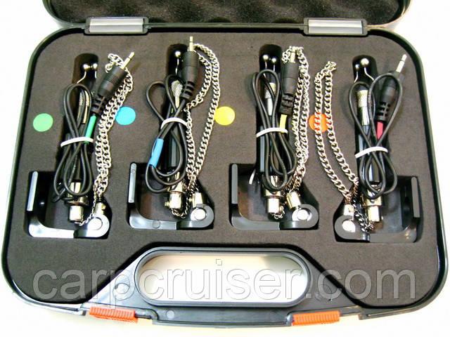Набор электронных свингеров ССS02-4 на цепочке, в пластиковом жестком кейсе
