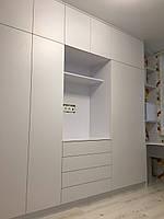 Белый матовый шкаф с полкой под тв. blum tip -on фурнитура, фото 1