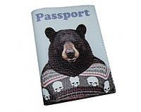 Интересная авторская обложка на паспорта из кожи ReD Медведь в свитере, кожа