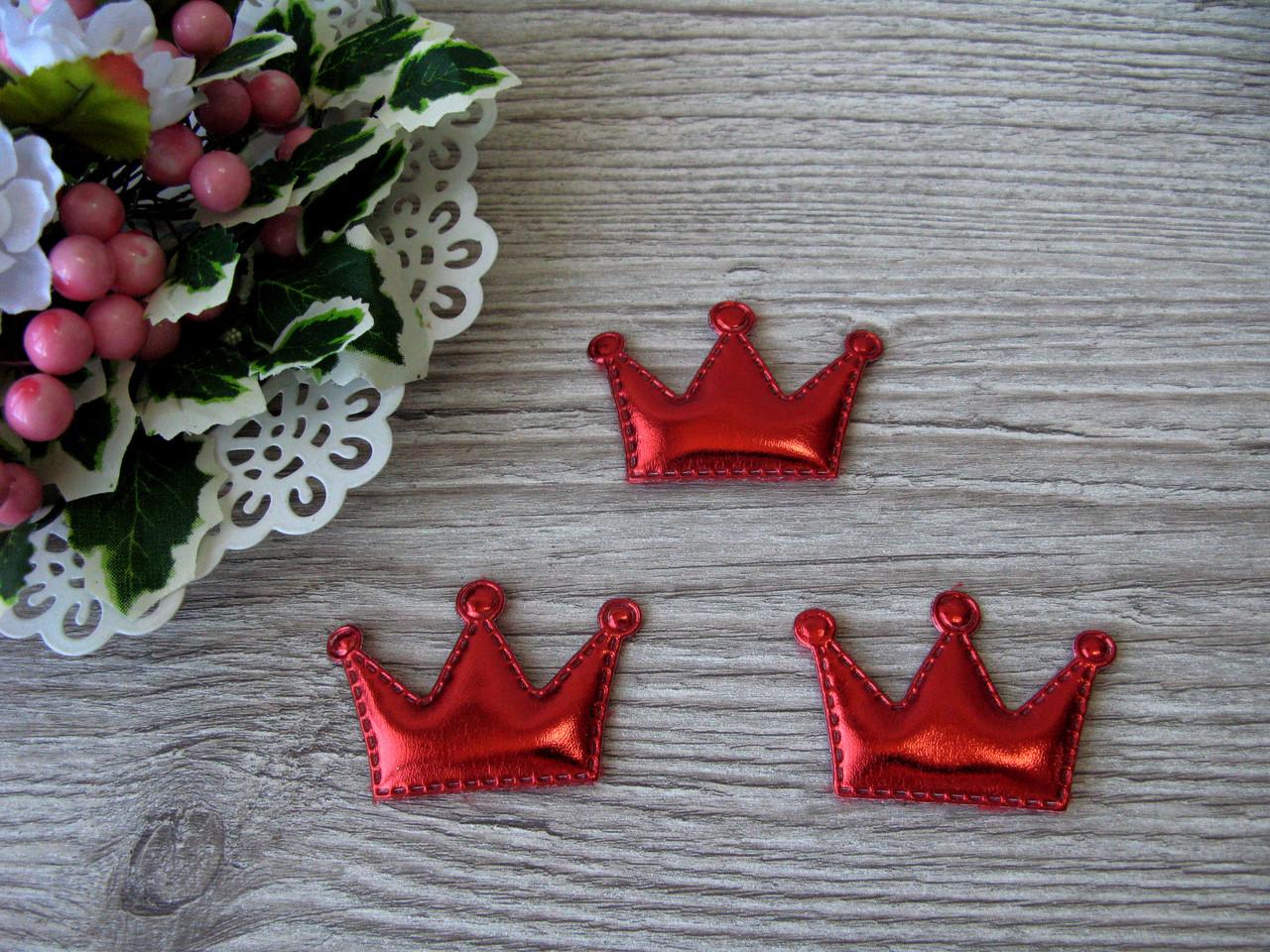 Патчи корона из эко-кожи красные 5.5 см на 3.8 см