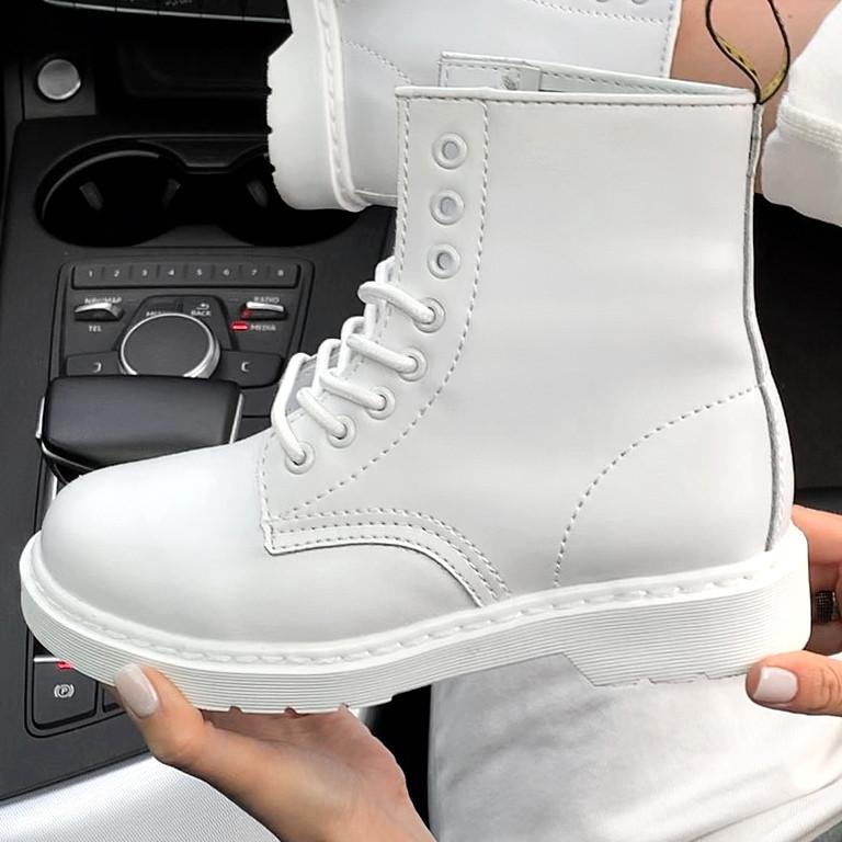 Женские зимние ботинки Dr. Martens 1460 White с мехом