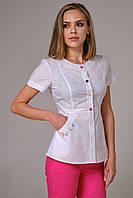 Медицинская куртка Клер. Белый.Вышивка Рукав короткий. Satal