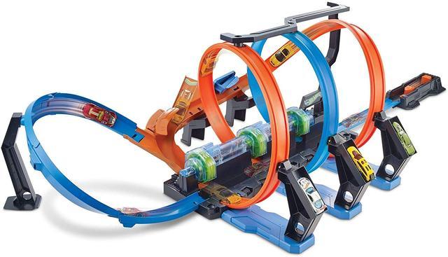 Трек Hot Wheels Corkscrew Crash Track Set