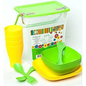 Набір пластмасового посуду Алеана на 4 персони.