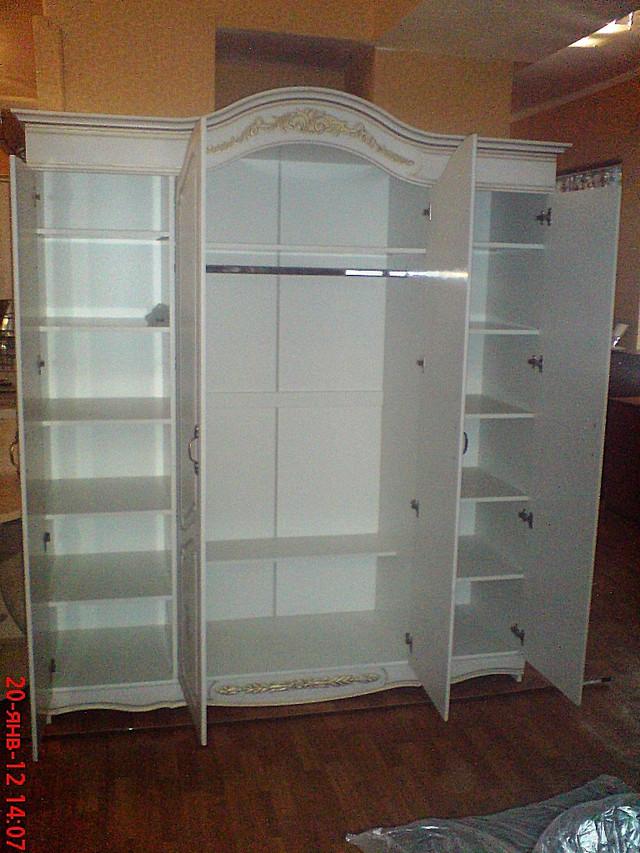 Патинированный шкаф