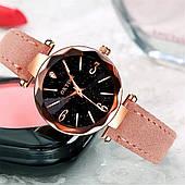 Женские наручные часы, пудровый ремешок