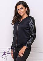 Тонкая куртка изготовлена из двух разных тканей, фактура которых потрясающе смотрится на девушке с любой фигур, фото 1