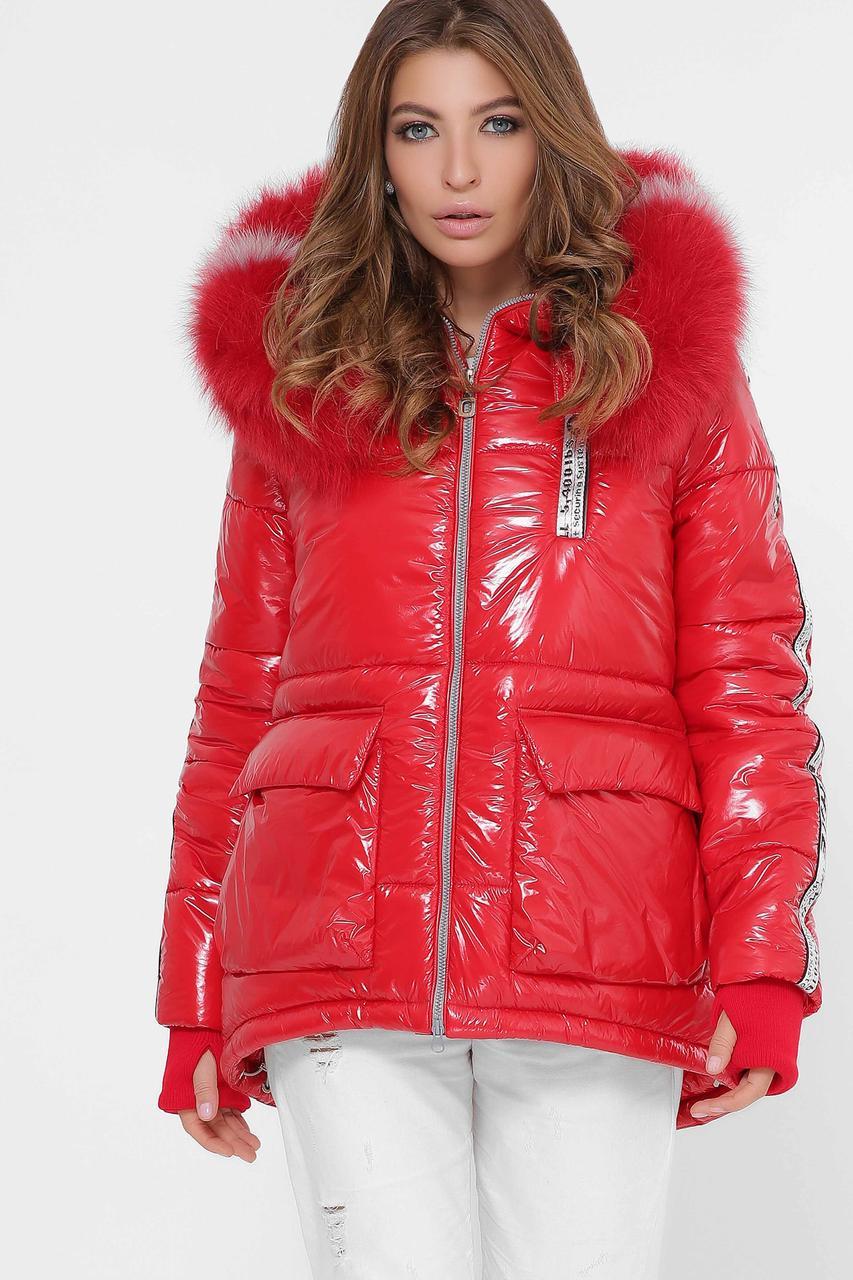 Женская зимняя куртка короткая с мехом красная