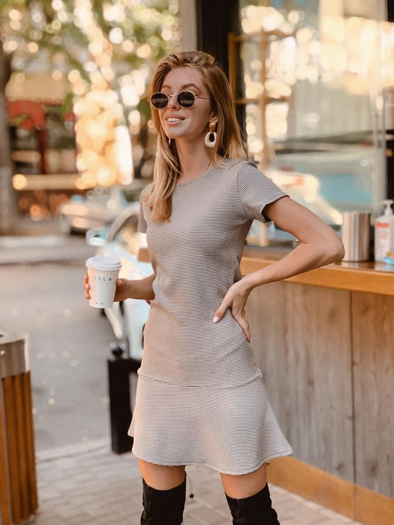 Платье мини с небольшой юбкой,шерсть/хлопок//полиэстр.  Размер:42-46. Цвет: бежевый. (1184)