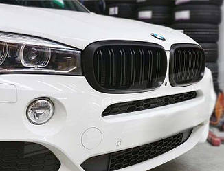 Решетка радиатора ноздри BMW X6 F16 стиль X6M (матовые)