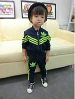 Спортивный костюм Adidas черный, зеленые полоски