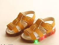 Босоножки детские LED эко-кожа желтые