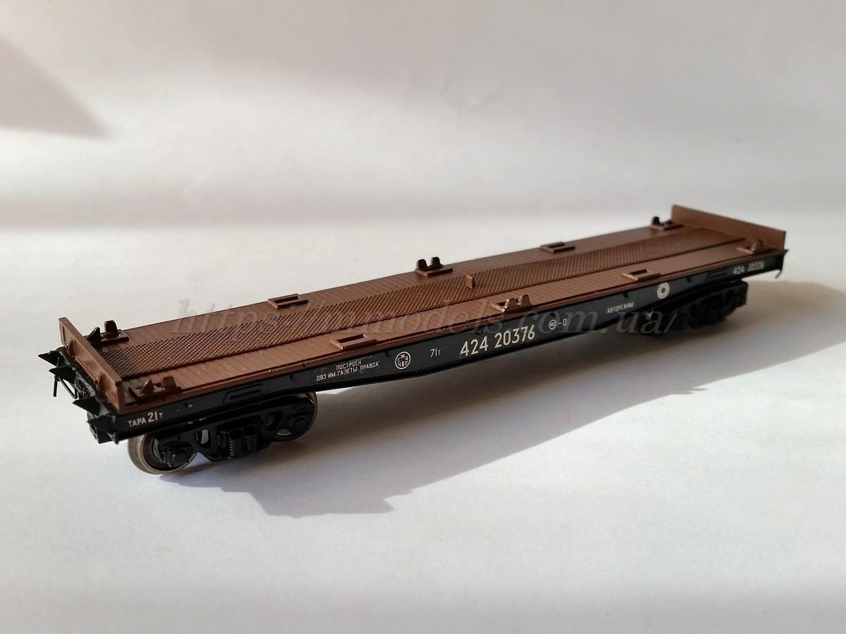 Платформа для перевозки контейнеров 4-осная, модели 13-4012-09,СЖД  H0,1/87