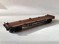 Платформа для перевозки контейнеров 4-осная, модели 13-4012-09,СЖД  H0,1/87, фото 1