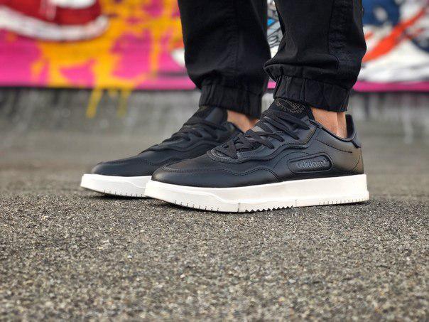 Кроссовки мужские Adidas с функциональной стелькой
