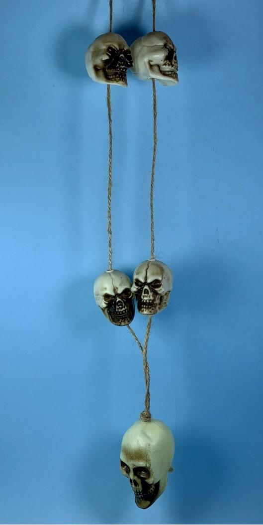 Подвеска из черепов 65 см (аксессуар для Хэллоуина)