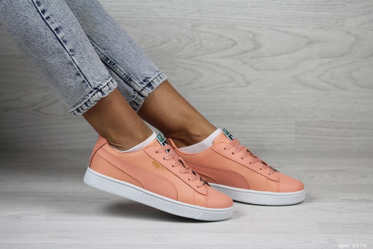 Жіночі кросівки Puma Suede (персиковий)
