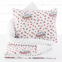 Плед и подушка с зайчиками и цветочками белого цвета