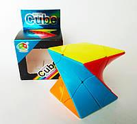 Нестандартний Кубик Рубіка. скручений кубик