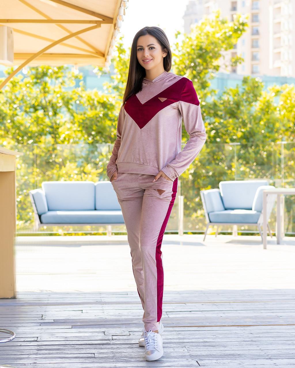 Жіночий велюровий двоколірний прогулянковий спортивний костюм з капюшоном