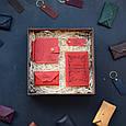 """Мужской подарочный набор кожаных аксессуаров """"Leon"""": зажим для денег, обложка на паспорт, визитница и брелок, фото 3"""