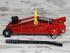Домкрат подкатной TORIN TA820014 2т 135-330 мм.