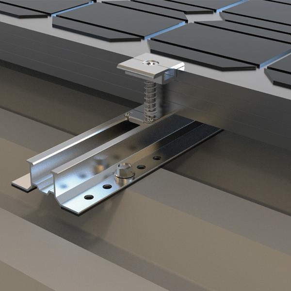 Система креплений солнечных батарей из мини-реек для размещения на плоскую крышу