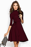 Элегантное платье А-силуэта из эластичной ткани короткий воротник-стойка цвет марсала