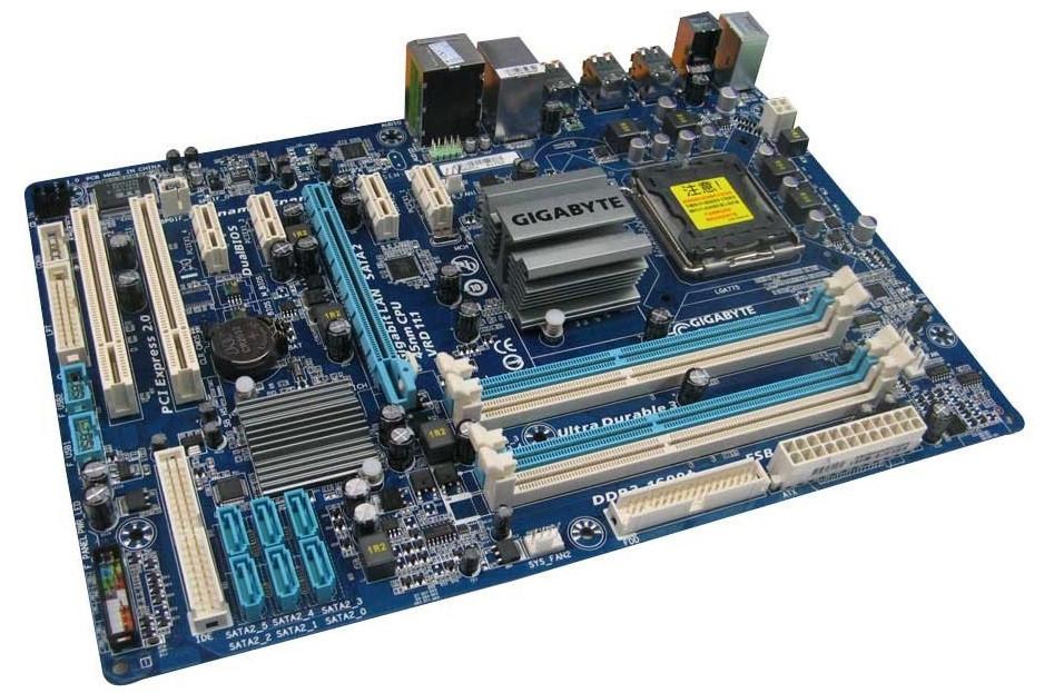 Материнська плата Gigabyte GA-EP43T-S3L   S775   DDR3