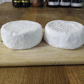Сир козиний з білою пліснявою типу Камамбер 100г. ф.г. Коза Джалі