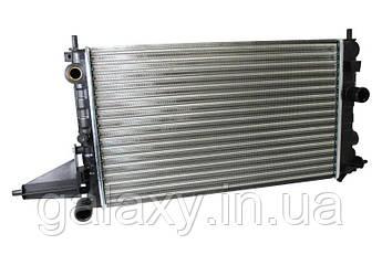 Радиатор охлаждения двигателя Opel Vectra A 1,4 / 1,6 Вектра 1986-1994