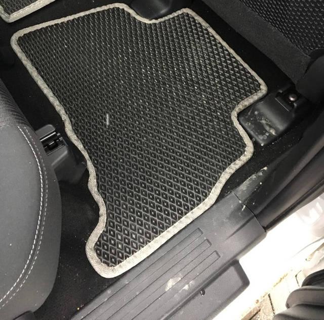 Наши коврики EVA в салоне Toyota LC Prado 150  -1