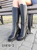 Женские сапоги из натуральной кожы чёрного цвета на средней высоты устоичивом каблуке
