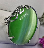 Колечко в серебре с овальным зеленым улекситом Монсерат