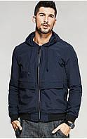 Мужская ветровка темно-синяя с капюшоном из плотной ткани