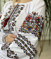 Українська яскрава жіноча вишиванка, фото 1