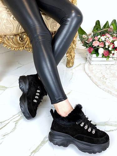 Зимние ботинки на спортивной подошве с меховой опушкой . Цвет: черный, натуральная замша 37, 38 и 4