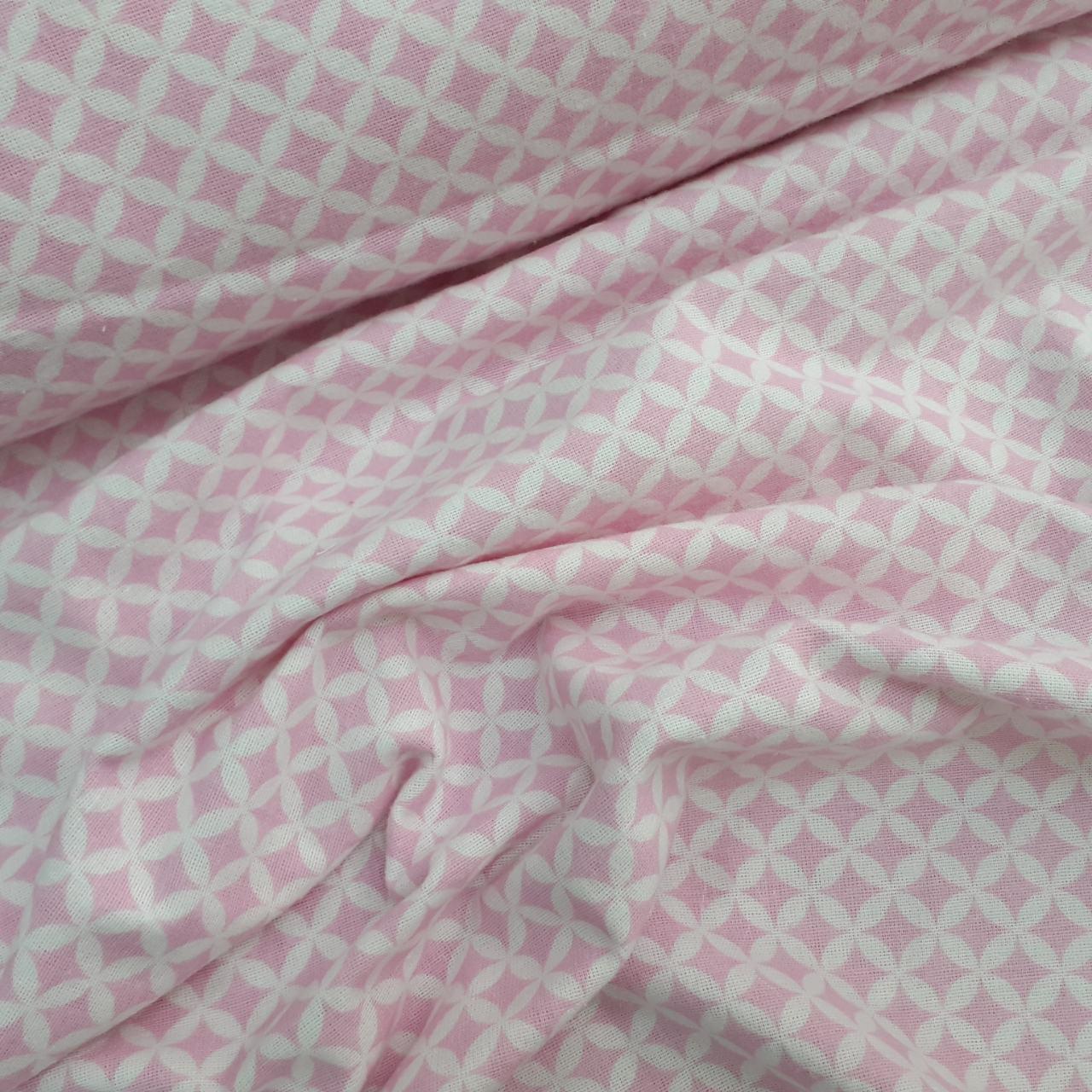 Фланелевая ткань розовые ромбики. Узор