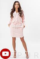 Летнее платье-рубашка выше колен с рукавами и поясом светло-персиковое
