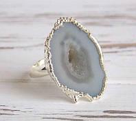 Кольцо с агатом в серебристой оправе