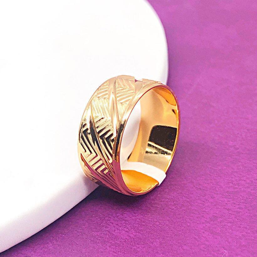 Кольцо обручальное Xuping Jewelry размер 23 Резное, медицинское золото позолота 18К. А/В 4085-1
