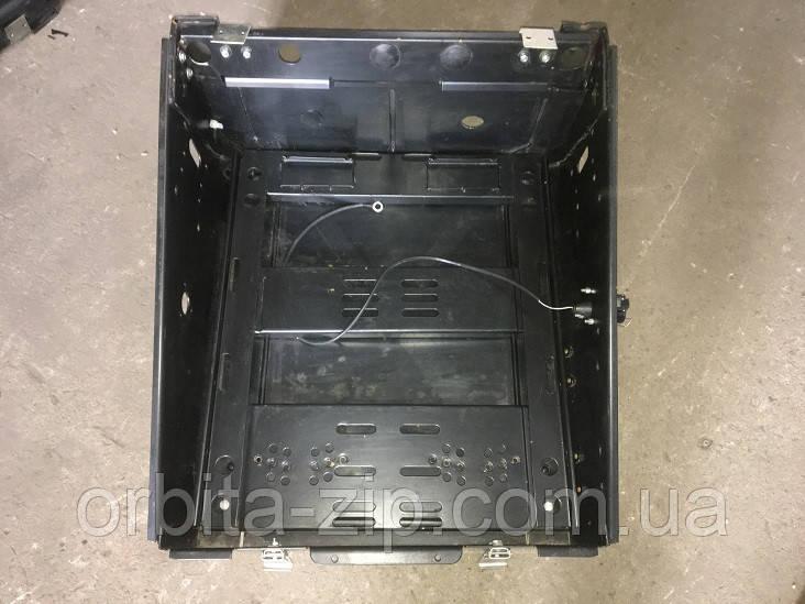 64221-3748020 Ящик (контейнер) АКБ МАЗ без крышки (пр-во МАЗ)