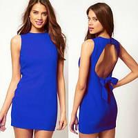 Стильное летнее платье с вырезом на спине