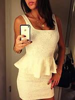 Платье с баской и гипюром