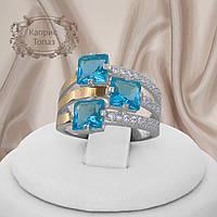 """Серебряное кольцо с золотыми пластинами голубыми фианитами """"Каприс"""", фото 1"""