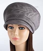 Зимняя женская шапка Ветка с козырьком серого цвета