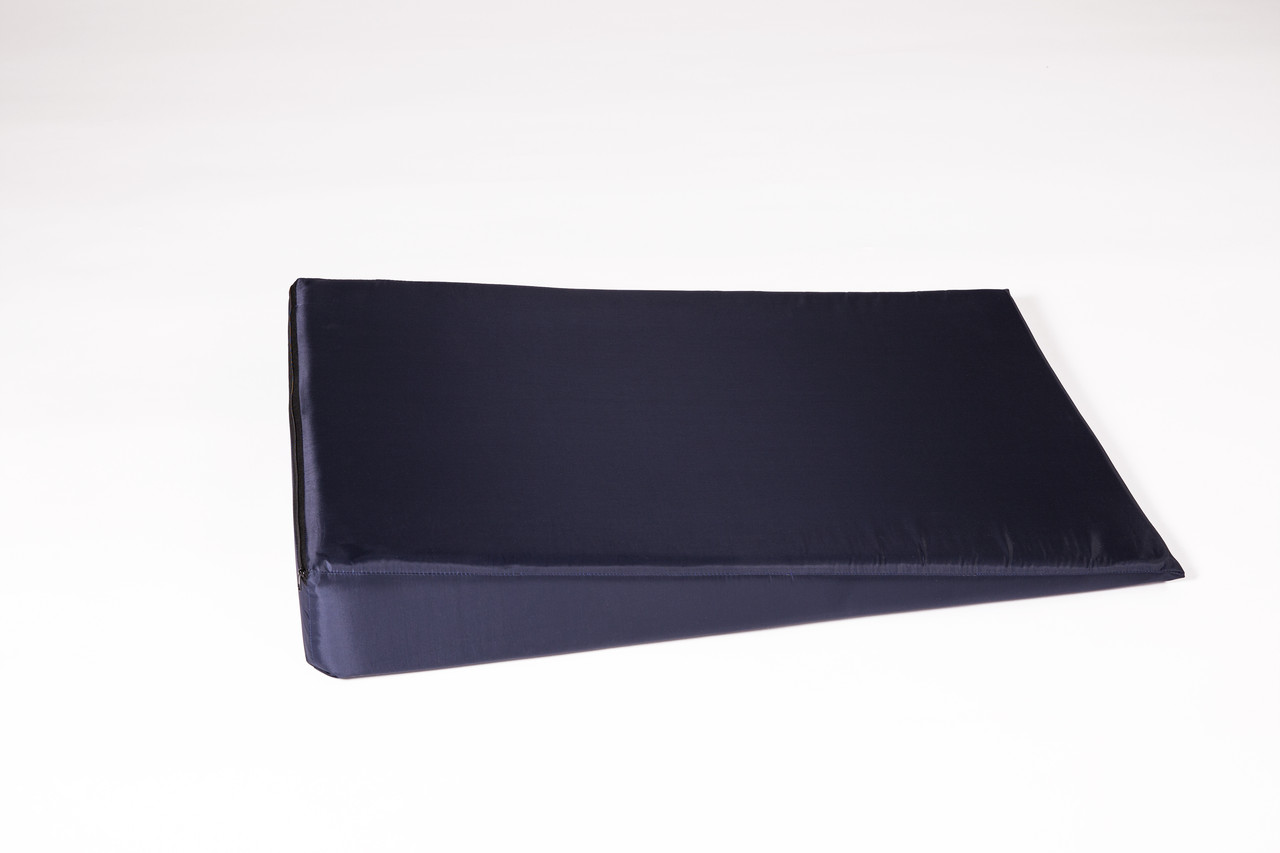 Клиновидная подушка большая 49*73*12