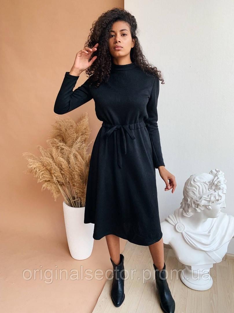 Теплое женское платье с поясом